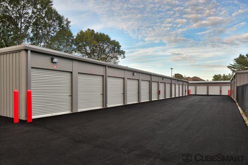 CubeSmart Self Storage - Spartanburg - 899 E Main St 899 E Main St Spartanburg, SC - Photo 7