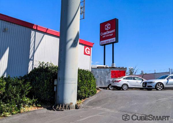 CubeSmart Self Storage - Portland 1314 North Schmeer Road Portland, OR - Photo 6