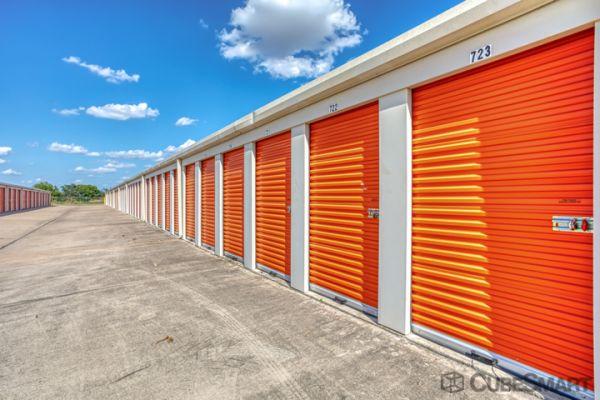 CubeSmart Self Storage - Taylor - 3706 N Main St 3706 North Main Street Taylor, TX - Photo 2