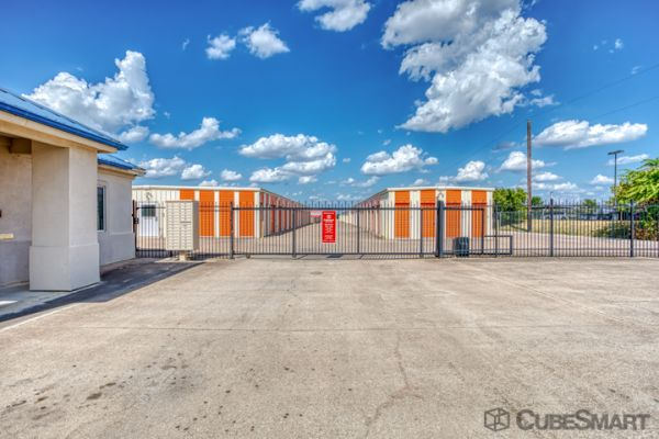 CubeSmart Self Storage - Taylor - 3706 N Main St 3706 North Main Street Taylor, TX - Photo 6