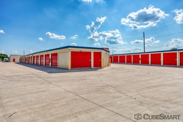 CubeSmart Self Storage - Pflugerville - 13601 Dessau Rd 13601 Dessau Road Pflugerville, TX - Photo 2