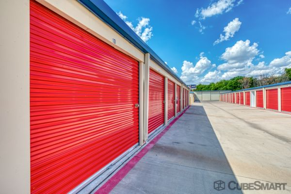 CubeSmart Self Storage - Pflugerville - 13601 Dessau Rd 13601 Dessau Road Pflugerville, TX - Photo 3