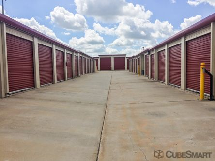 CubeSmart Self Storage - Moore - 820 NW 27th St 820 Northwest 27th Street Moore, OK - Photo 1
