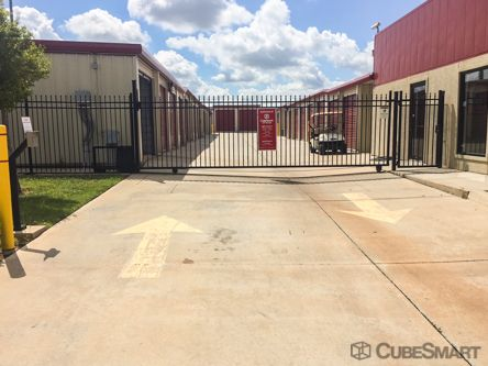 CubeSmart Self Storage - Moore - 820 NW 27th St 820 Northwest 27th Street Moore, OK - Photo 2