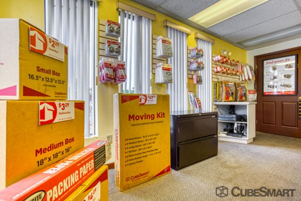 CubeSmart Self Storage - Port St. Lucie - 2140 SW Gatlin Blvd 2140 Southwest Gatlin Boulevard Port St. Lucie, FL - Photo 8