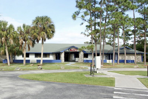 iStorage Palm City 4125 Southwest Martin Highway Palm City, FL - Photo 2