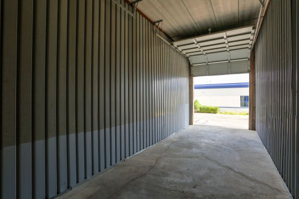 iStorage Farmington Hills Sinacola 24500 Sinacola Ct Farmington Hills, MI - Photo 2