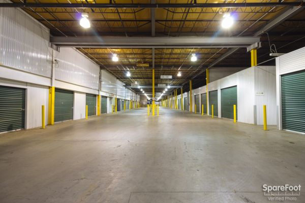 iStorage Hiawatha North 3601 Hiawatha Avenue Minneapolis, MN - Photo 2