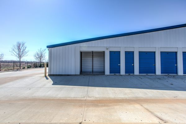 iStorage Clarksville 2598 Pea Ridge Road Clarksville, TN - Photo 8
