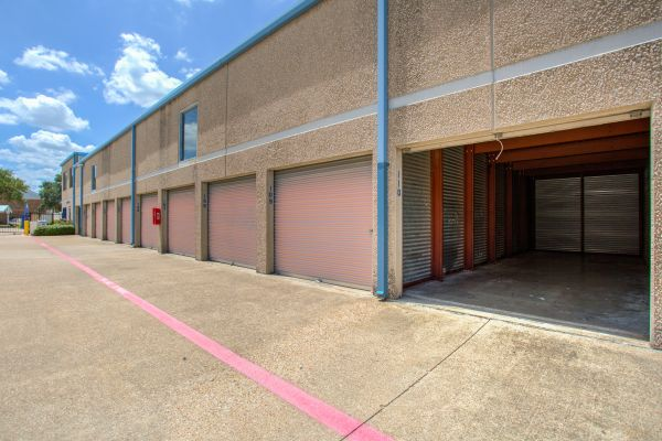 iStorage Carrollton 2771 Oak Tree Drive Carrollton, TX - Photo 1