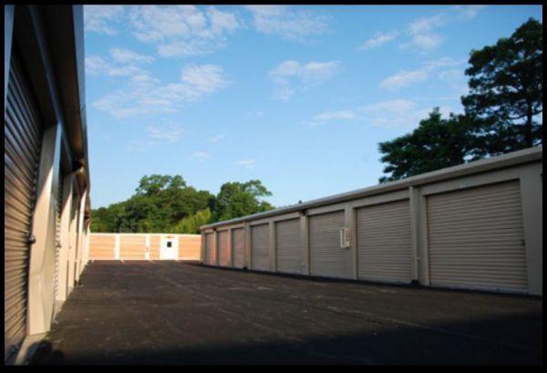 4 Storage - Deer Park 541 Acorn Street Deer Park, NY - Photo 2