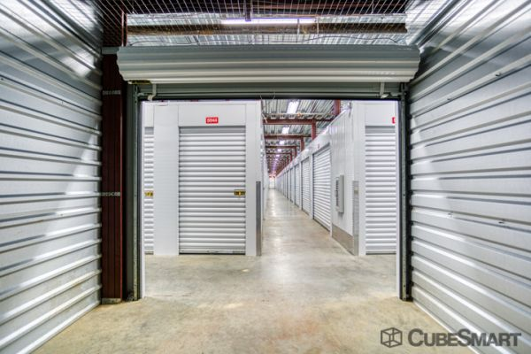 CubeSmart Self Storage - Louisville - 3415 Bardstown Rd 3415 Bardstown Road Louisville, KY - Photo 2