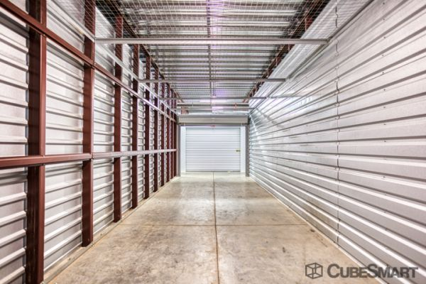 CubeSmart Self Storage - Louisville - 3415 Bardstown Rd 3415 Bardstown Road Louisville, KY - Photo 3