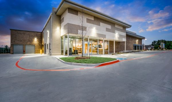Advantage Storage - Garland Campbell 3341 West Campbell Road Garland, TX - Photo 2
