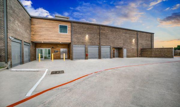 Advantage Storage - Garland Campbell 3341 West Campbell Road Garland, TX - Photo 4