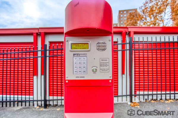 CubeSmart Self Storage - Bronx - 2880 Exterior St 2880 Exterior Street Bronx, NY - Photo 7