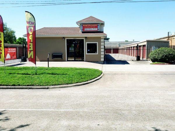 Veterans Memorial Storage 11423 Veterans Memorial Drive Houston, TX - Photo 0
