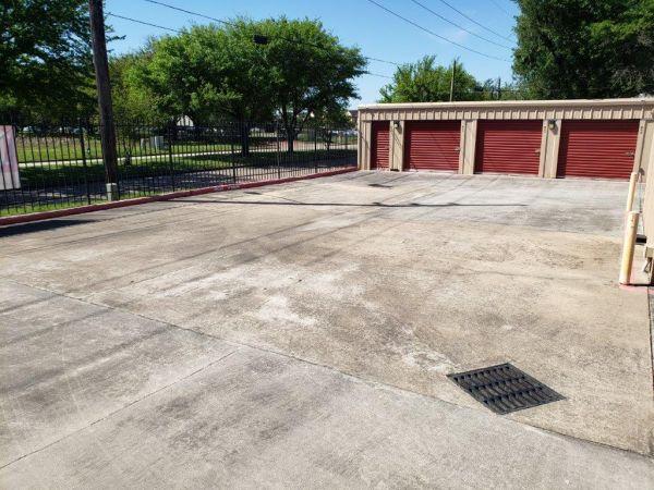 Veterans Memorial Storage 11423 Veterans Memorial Drive Houston, TX - Photo 2