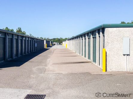 CubeSmart Self Storage - Charleston - 460 Seven Farms Dr 460 Seven Farms Drive Charleston, SC - Photo 3