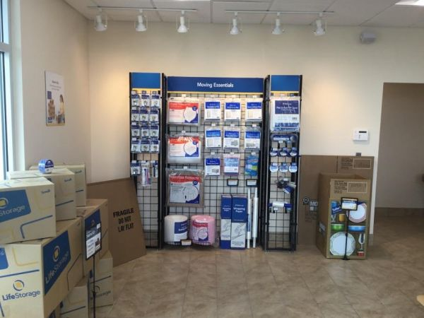 Life Storage - Largo - 1225 Missouri Avenue North 1225 Missouri Avenue North Largo, FL - Photo 7