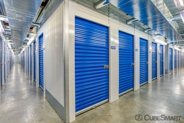 CubeSmart Self Storage - Houston - 5321 Richmond Ave 5321 Richmond Avenue Houston, TX - Photo 2