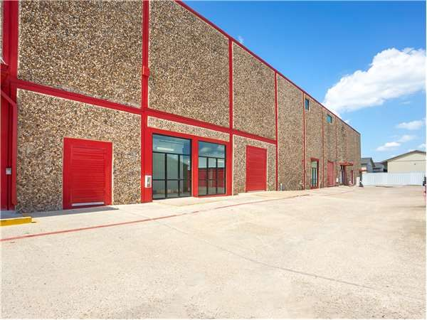 Extra Space Storage - Irving - W Airport Fwy 1509 West Airport Freeway Irving, TX - Photo 6