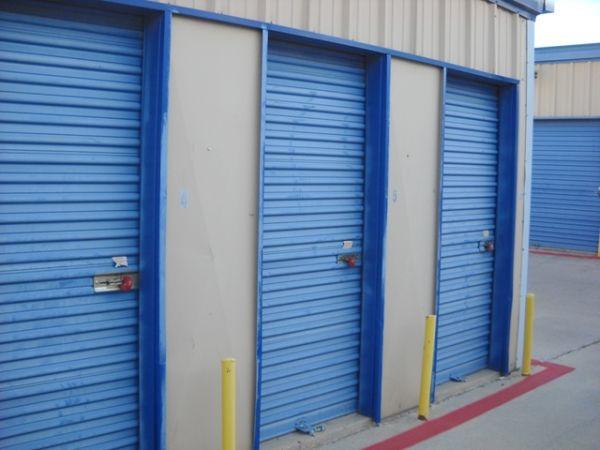 Susan Drive Self Storage 3000 Pinewood Drive Arlington, TX - Photo 2