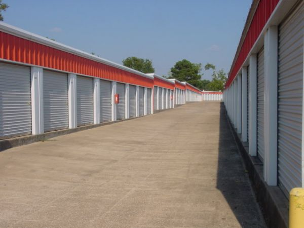 AAA Self Storage - Southwood 2250 Southwood Drive Lufkin, TX - Photo 0