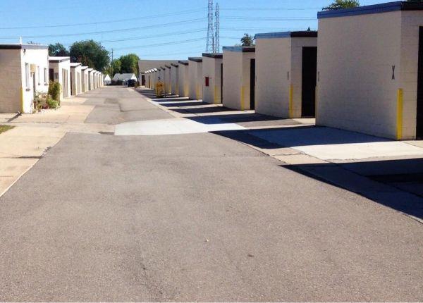 U-Stow-N-Lock - Trenton 2447 Fort Street Trenton, MI - Photo 3