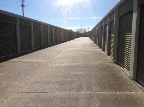 Life Storage - Gretna - 2012 Belle Chasse Highway 2012 Belle Chasse Highway Gretna, LA - Photo 3