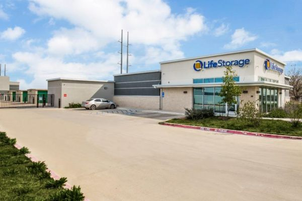Life Storage - Round Rock - 981 North Red Bud Lane 981 North Red Bud Lane Round Rock, TX - Photo 3