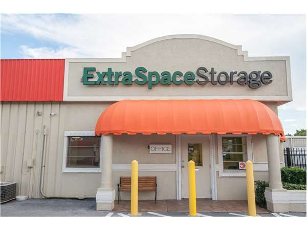 Extra Space Storage - Naples - Airport Pulling Road North 571 Airport-Pulling Road Naples, FL - Photo 6