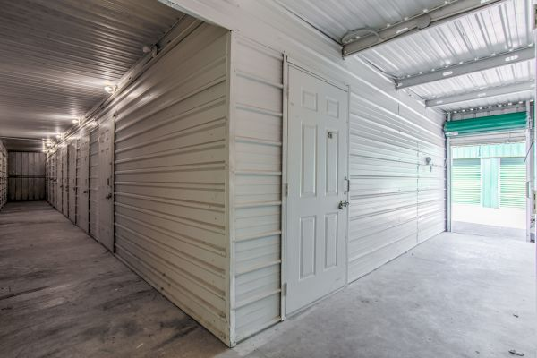 ABCD Storage 906 Reppert Street Bacliff, TX - Photo 4