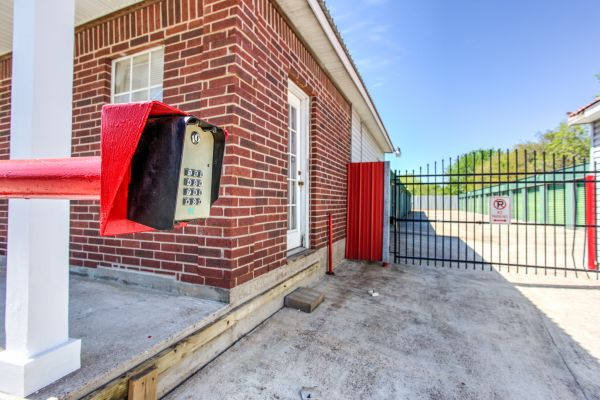 ABCD Storage 906 Reppert Street Bacliff, TX - Photo 6