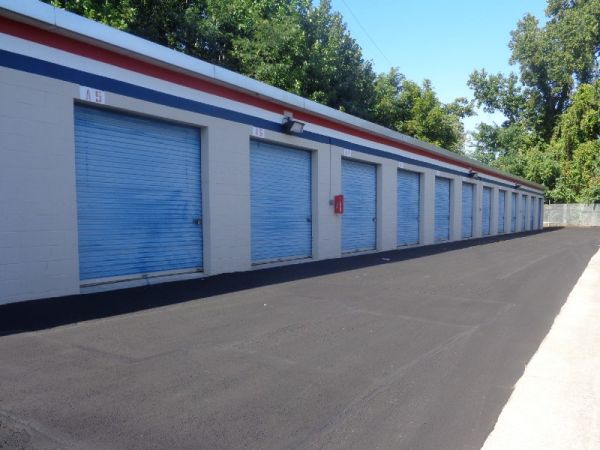 Prime Storage - Baltimore - 3500 Wilkens Ave 3500 Wilkens Avenue Baltimore, MD - Photo 4