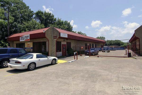 Oak Cliff Self Storage 3714 Marvin D Love Freeway Dallas, TX - Photo 3