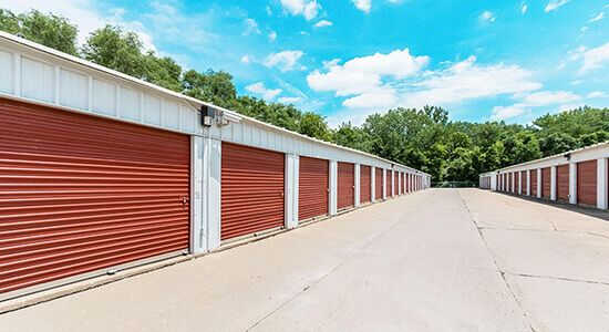 StorageMart - NW 94th St & Hickman Rd 2155 Northwest 94Th Street Clive, IA - Photo 2