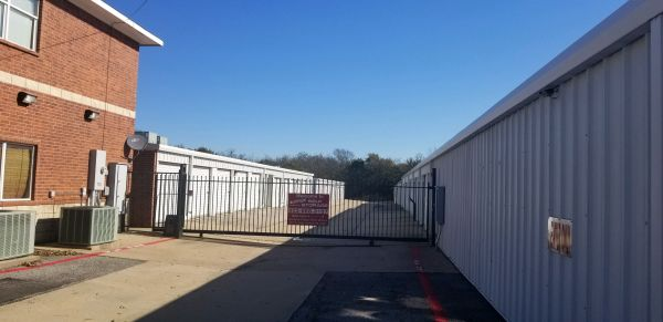 Five Star Storage - Sherman 2511 North Travis Street Sherman, TX - Photo 3