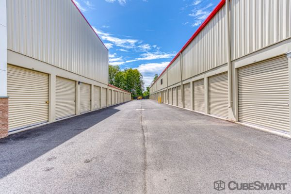 CubeSmart Self Storage - Rocky Hill - 1053 Cromwell Ave 1053 Cromwell Avenue Rocky Hill, CT - Photo 1
