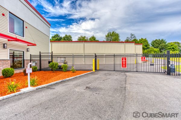 CubeSmart Self Storage - Rocky Hill - 1053 Cromwell Ave 1053 Cromwell Avenue Rocky Hill, CT - Photo 5
