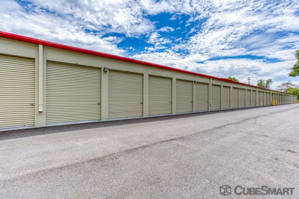 CubeSmart Self Storage - Rocky Hill - 1053 Cromwell Ave 1053 Cromwell Avenue Rocky Hill, CT - Photo 2