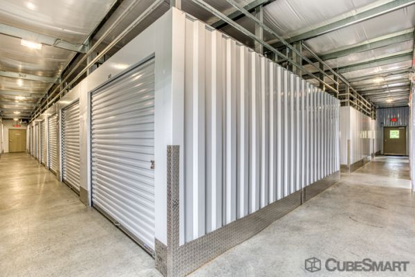 CubeSmart Self Storage - Rocky Hill - 1053 Cromwell Ave 1053 Cromwell Avenue Rocky Hill, CT - Photo 4