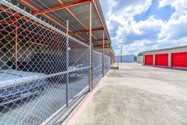 Storage Sense - Fort Worth 5700 River Oaks Boulevard River Oaks, TX - Photo 9