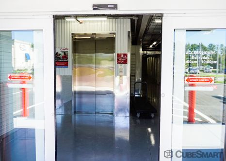 CubeSmart Self Storage - Tampa - 2460 S Falkenburg Rd 2460 South Falkenburg Road Tampa, FL - Photo 4