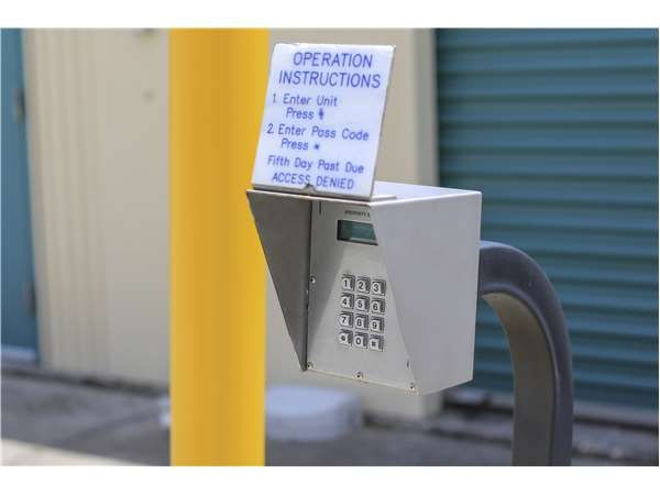 Extra Space Storage - Tampa - W Hillsborough Ave 4105 West Hillsborough Avenue Tampa, FL - Photo 5
