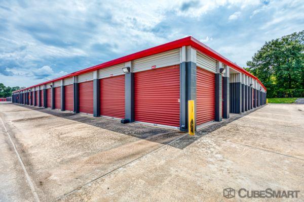 CubeSmart Self Storage - Conroe - 810 Gladstell Rd 810 Gladstell Road Conroe, TX - Photo 3