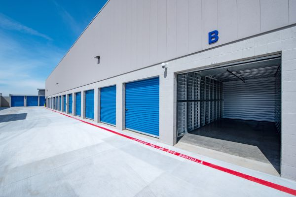 Silverhawk Self Storage 30470 Commerce Court Murrieta, CA - Photo 4