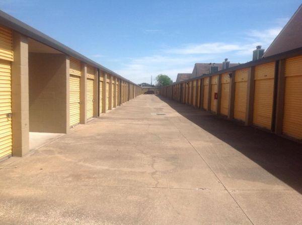 Life Storage - Houston - 12711 Westheimer Road 12711 Westheimer Road Houston, TX - Photo 4