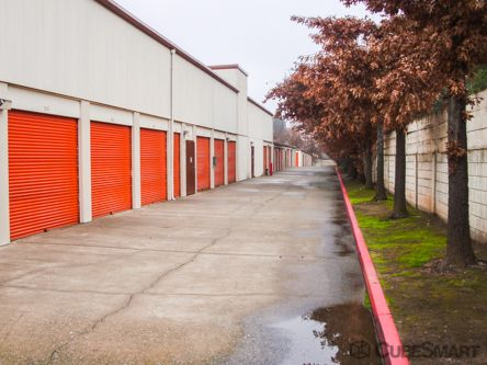 CubeSmart Self Storage - Orangevale - 6108 Hazel Ave 6108 Hazel Avenue Orangevale, CA - Photo 2