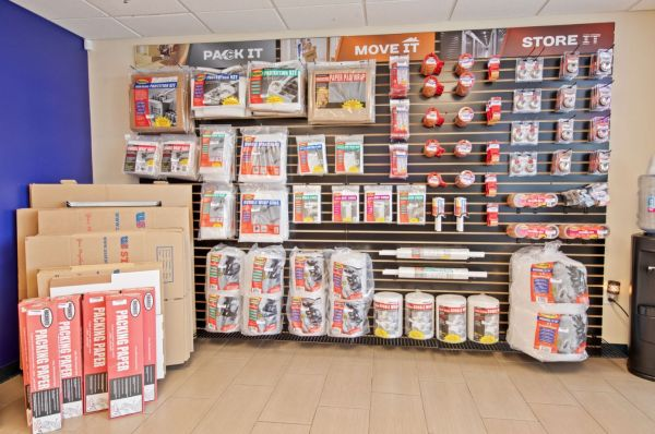 US Storage Centers - Carson 21640 South Wilmington Avenue Carson, CA - Photo 9